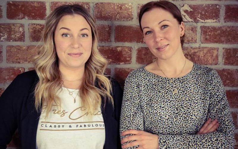 Kuvassa Willari-palvelun kehittäjät Nelly ja Annika